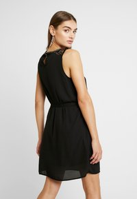 Vero Moda - VMDORTHEA SHORT DRESS - Denní šaty - black - 3