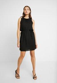 Vero Moda - VMDORTHEA SHORT DRESS - Denní šaty - black - 2