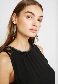 Vero Moda - VMDORTHEA SHORT DRESS - Denní šaty - black - 4