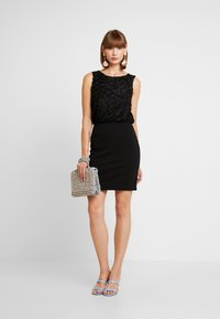 Vero Moda - VMDORIS DRESS  - Shift dress - black - 2