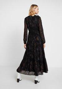 Vero Moda - VMELLIE ANCLE DRESS - Maxi šaty - black/ellie - 3