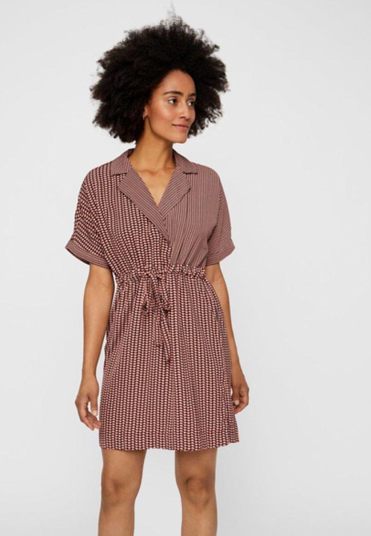 Vero Moda - Skjortekjole - brown