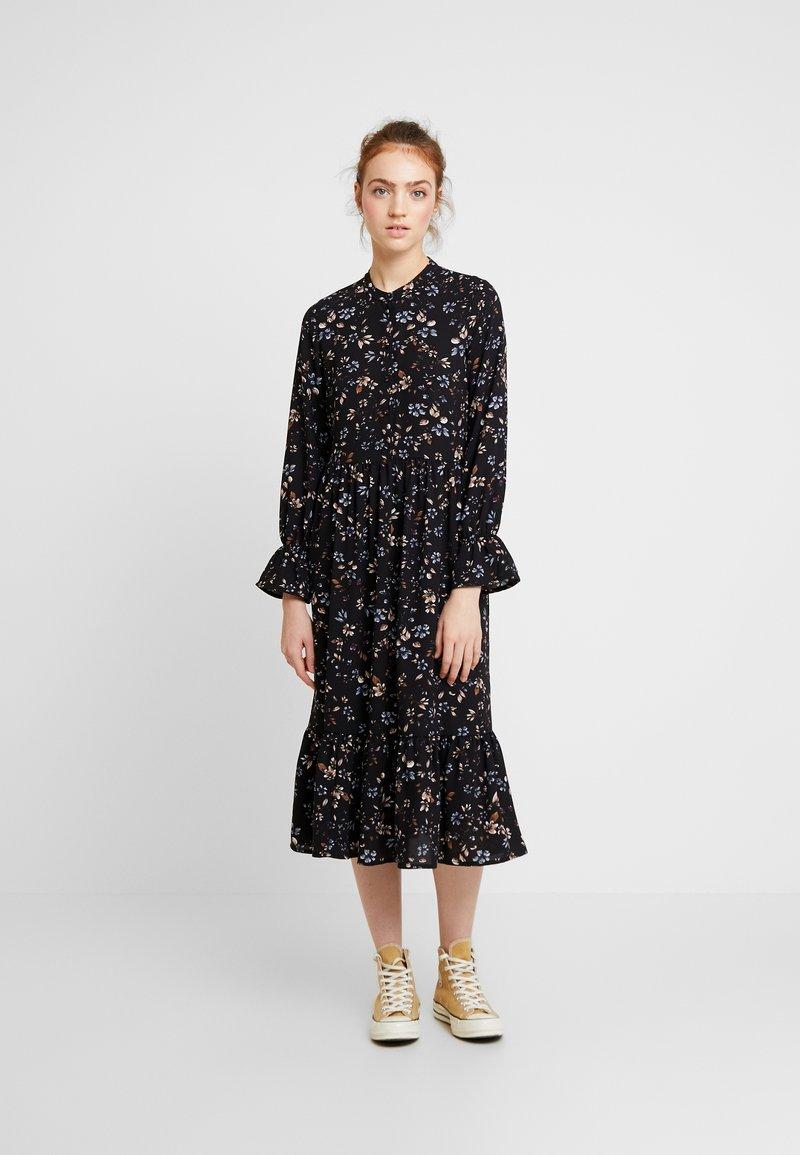Vero Moda - VMMYRANDA DRESS - Skjortekjole - deep well/myranda