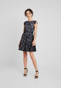 Vero Moda - VMDOLLAR CAP DRESS - Koktejlové šaty/ šaty na párty - night sky/silver scone - 2