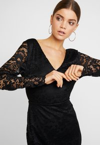 Vero Moda - VMDORA SHORT DRESS - Robe fourreau - black - 4