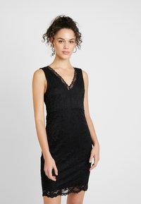 Vero Moda - VMDORA SHORT DRESS - Koktejlové šaty/ šaty na párty - black - 0