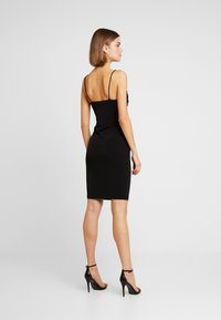 Vero Moda - VMFRANKIE SINGLET DRAPED DRESS - Robe en jersey - black - 2
