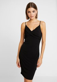 Vero Moda - VMFRANKIE SINGLET DRAPED DRESS - Robe en jersey - black - 0
