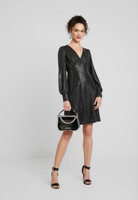 Vero Moda - VMDARLING SHORT DRESS - Jerseykjole - black/silver - 1