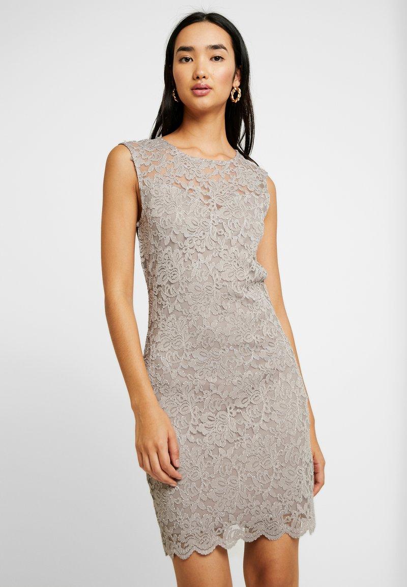 Vero Moda - VMLALI DRESS - Cocktailkleid/festliches Kleid - stone