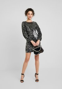 Vero Moda - VMLABARON SEQUEINS DRESS - Juhlamekko - silver - 1
