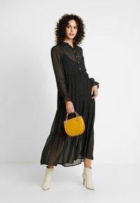 Vero Moda - Denní šaty - black/white - 2