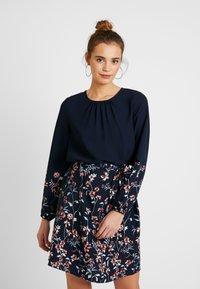 Vero Moda - VMFLORA BELT DRESS - Day dress - navy blazer - 0