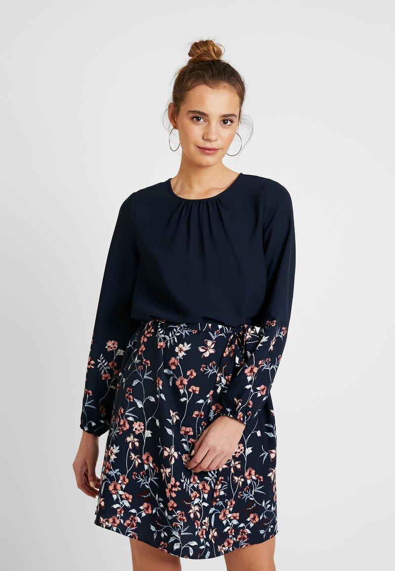 Vero Moda - VMFLORA BELT DRESS - Day dress - navy blazer