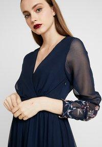 Vero Moda - Maxi šaty - navy - 5