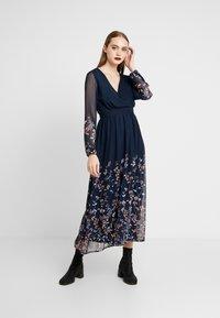 Vero Moda - Maxi šaty - navy - 2
