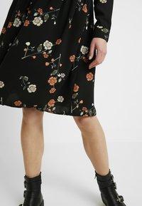 Vero Moda - VMFALLIE - Sukienka letnia - black/fallie - 5