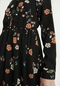 Vero Moda - VMFALLIE - Sukienka letnia - black/fallie - 7