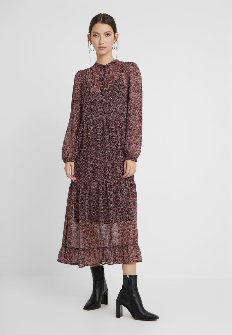 Vero Moda - Denní šaty - black/pink
