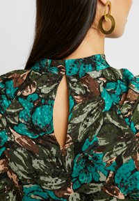 Vero Moda - VMLIANA  DRESS - Sukienka letnia - black/green - 6