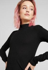 Vero Moda - VMJEANETTE DRESS - Shift dress - black - 4