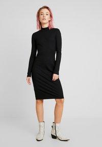 Vero Moda - VMJEANETTE DRESS - Shift dress - black - 0