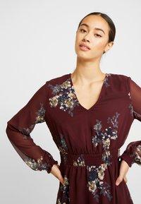 Vero Moda - VMALLIE SHORT SMOCK DRESS - Korte jurk - winetasting - 4
