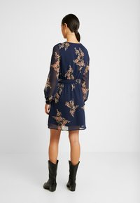 Vero Moda - VMALLIE SHORT SMOCK DRESS - Vestito estivo - navy blazer - 3