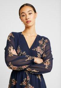 Vero Moda - VMALLIE SHORT SMOCK DRESS - Vestito estivo - navy blazer - 4