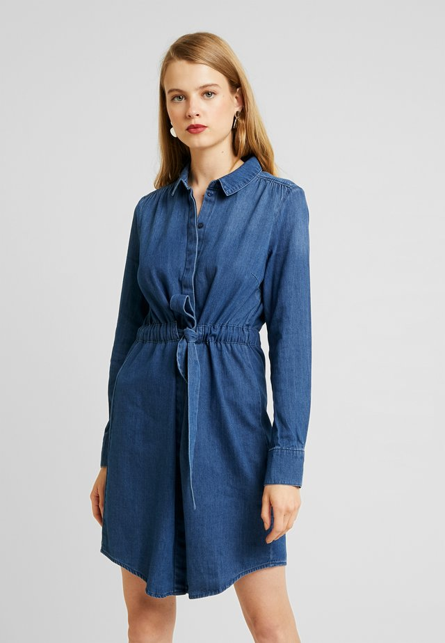 VMRACHEL - Jeanskleid - medium blue