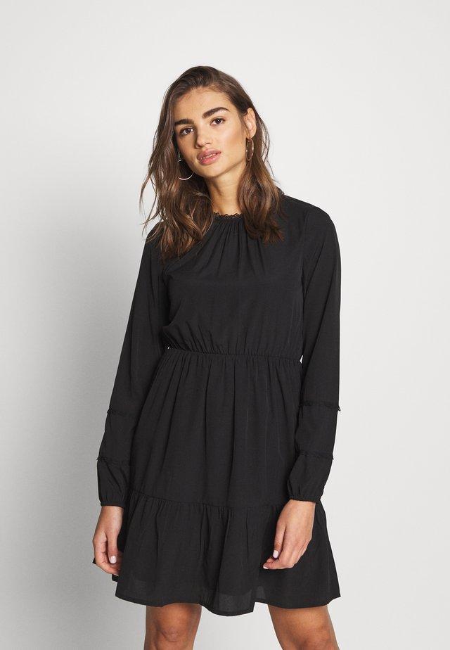 VMINEZ SHORT DRESS - Vapaa-ajan mekko - black