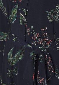 Vero Moda - VMTOKA DRESS - Sukienka z dżerseju - night sky - 2