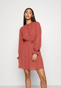 Vero Moda - VMIBINA SHORT DRESS - Skjortekjole - marsala/black - 0