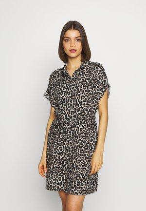 VMSIMPLY EASY DRESS - Skjortklänning - oatmeal
