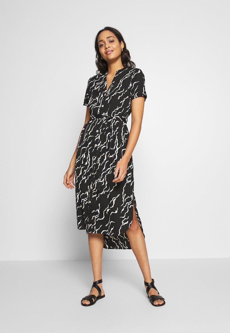 Vero Moda - VMRICA DRESS - Skjortklänning - black/rica