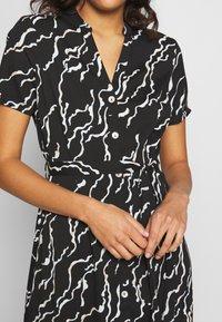 Vero Moda - VMRICA DRESS - Skjortklänning - black/rica - 5