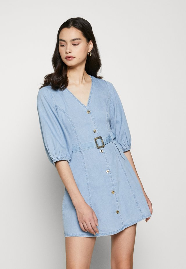 VMCLARISA SHORT DRESS  - Jeanskleid - light blue denim