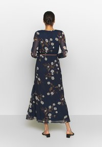 Vero Moda - VMCARINA BELT DRESS - Maxi šaty - navy - 2