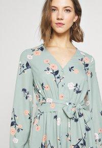 Vero Moda - VMFALLIE TIE DRESS - Kjole - green milieu - 3