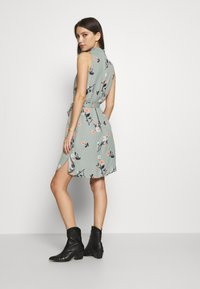 Vero Moda - VMFALLIE DRESS - Day dress - green milieu/fallie - 2