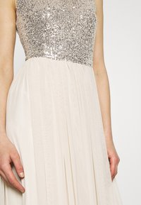Vero Moda - VMMADDIE ANKLE SEQUINS DRESS - Suknia balowa - birch - 5