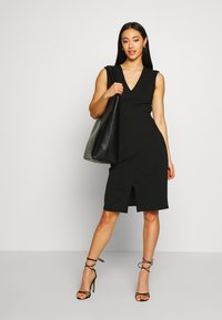 Vero Moda - VMDOLLY SHORT DRESS - Vestido de tubo - black - 1