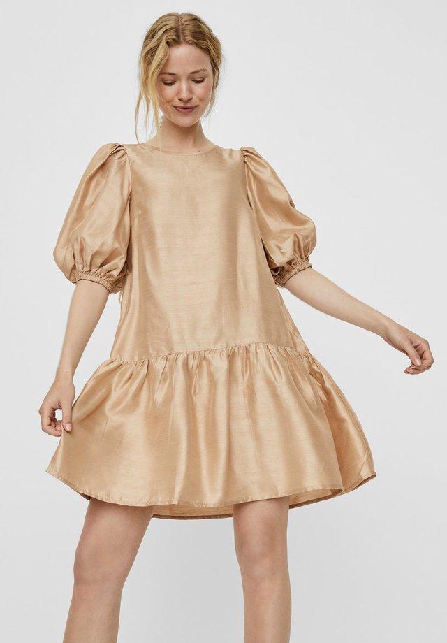 VMLOUI - Sukienka letnia - gold