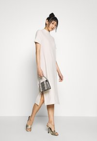 Vero Moda - VMKETTI CALF DRESS - Denní šaty - birch - 1