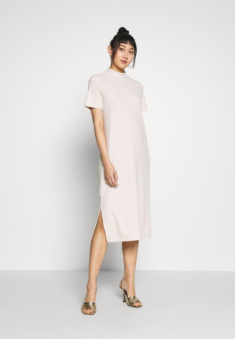 Vero Moda - VMKETTI CALF DRESS - Denní šaty - birch