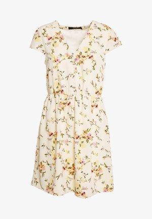 VMKISSEY CAPSLEEVE SHORT DRESS - Vapaa-ajan mekko - birch