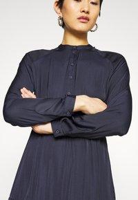 Vero Moda - VMKATE DRESS BELT - Shirt dress - night sky - 6