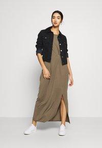 Vero Moda - VMAVA LULU ANCLE DRESS - Maxi-jurk - bungee - 2
