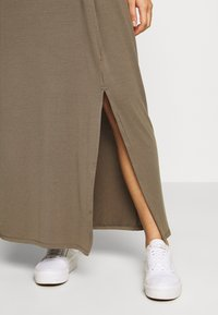 Vero Moda - VMAVA LULU ANCLE DRESS - Maxi-jurk - bungee - 4