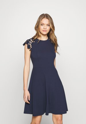 VMMILLA LACE DRESS - Freizeitkleid - navy